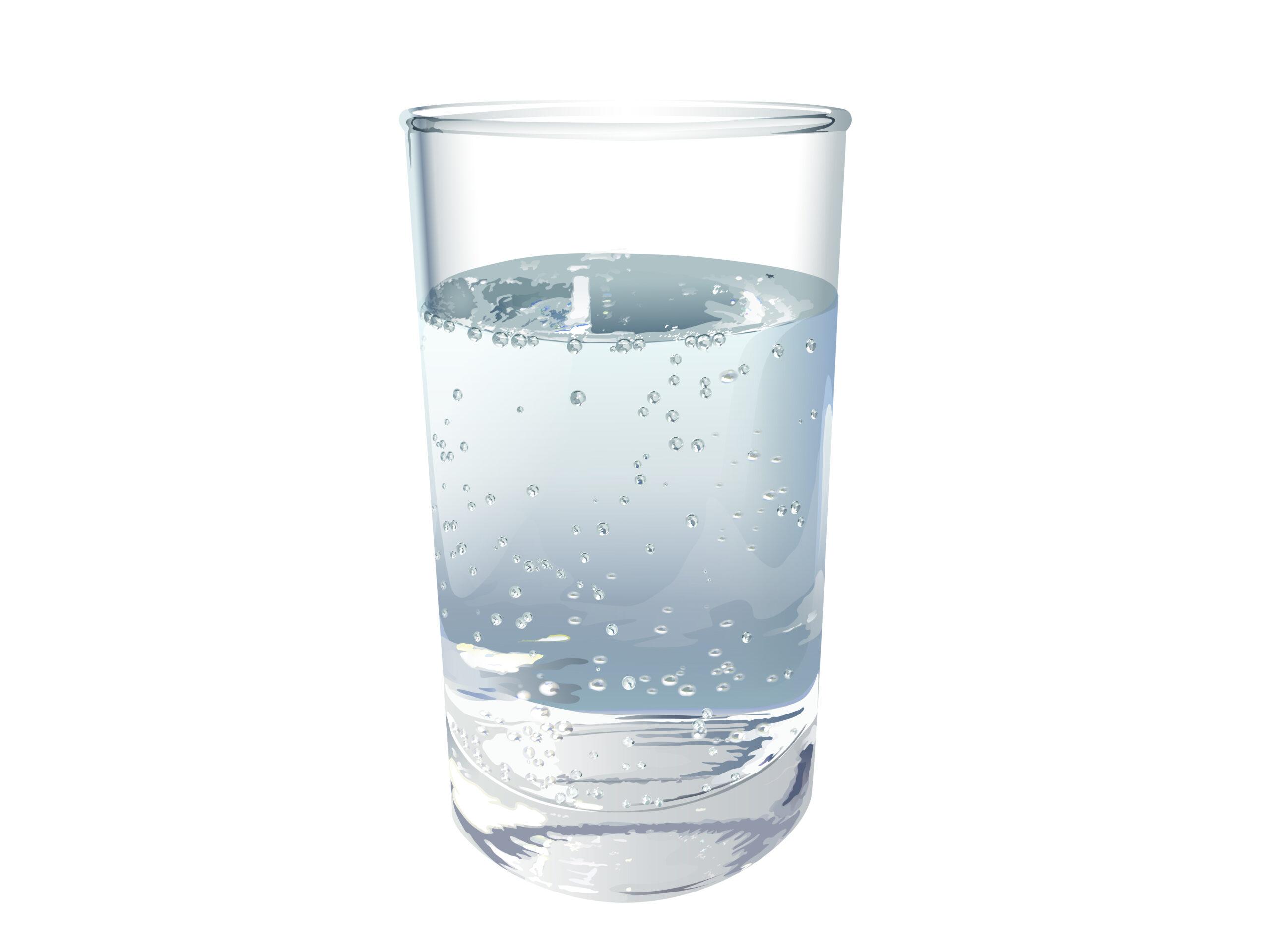 コップに注がれた炭酸水